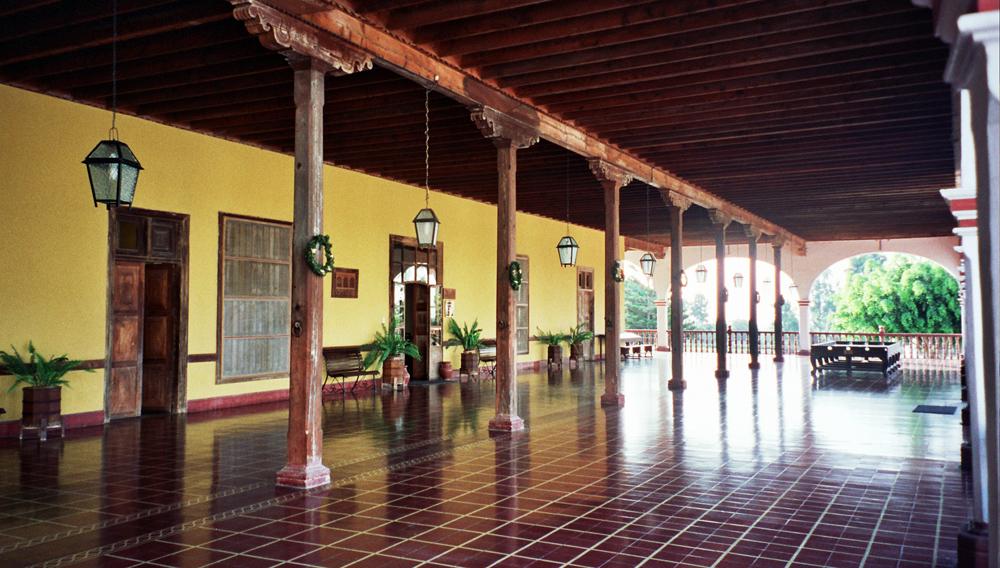 File Hacienda San Jose Chincha Entrance Jpg Wikimedia