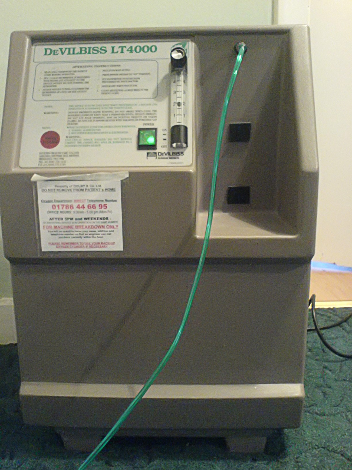 Home_oxygen_concentrator