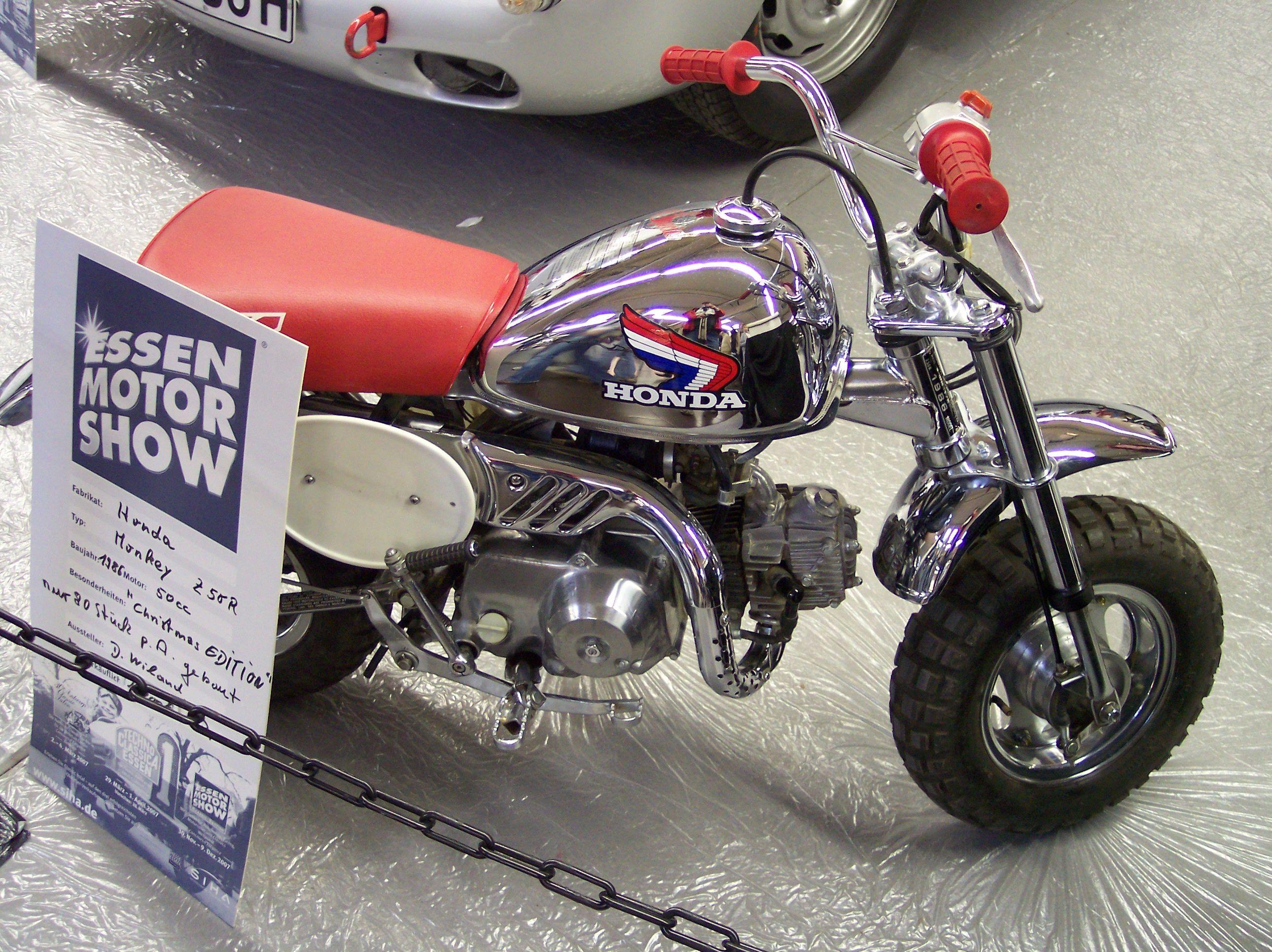 File Honda Monkey Z50r Vr Ems Jpg Wikimedia Commons