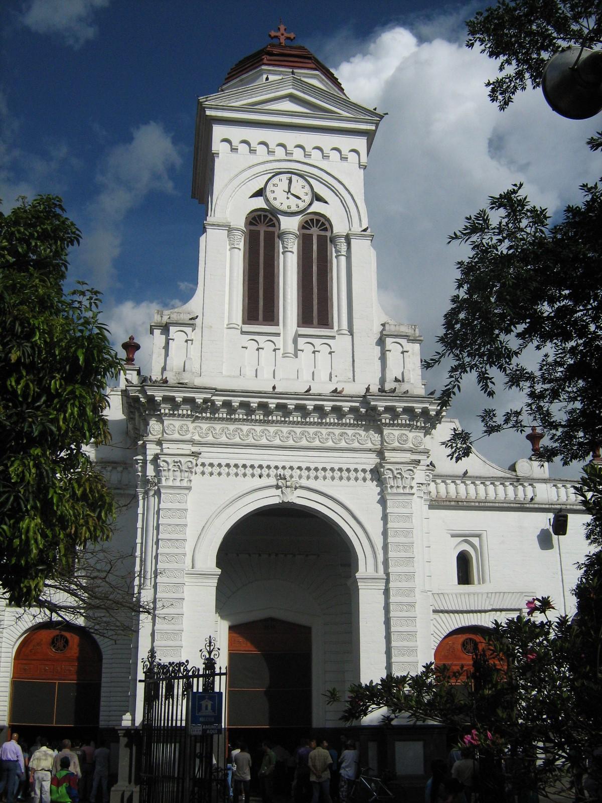 Historia de la colombiana - 3 part 2