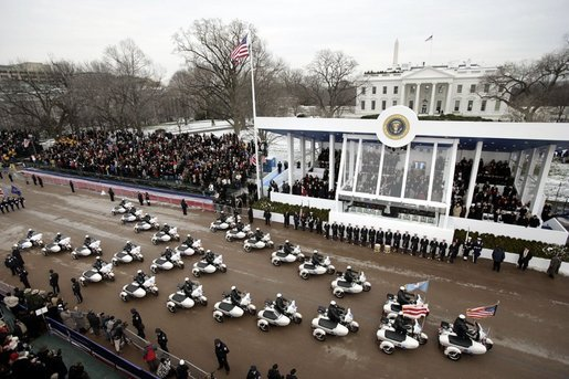 http://upload.wikimedia.org/wikipedia/commons/3/3e/Inaugural_parade_2005.jpg