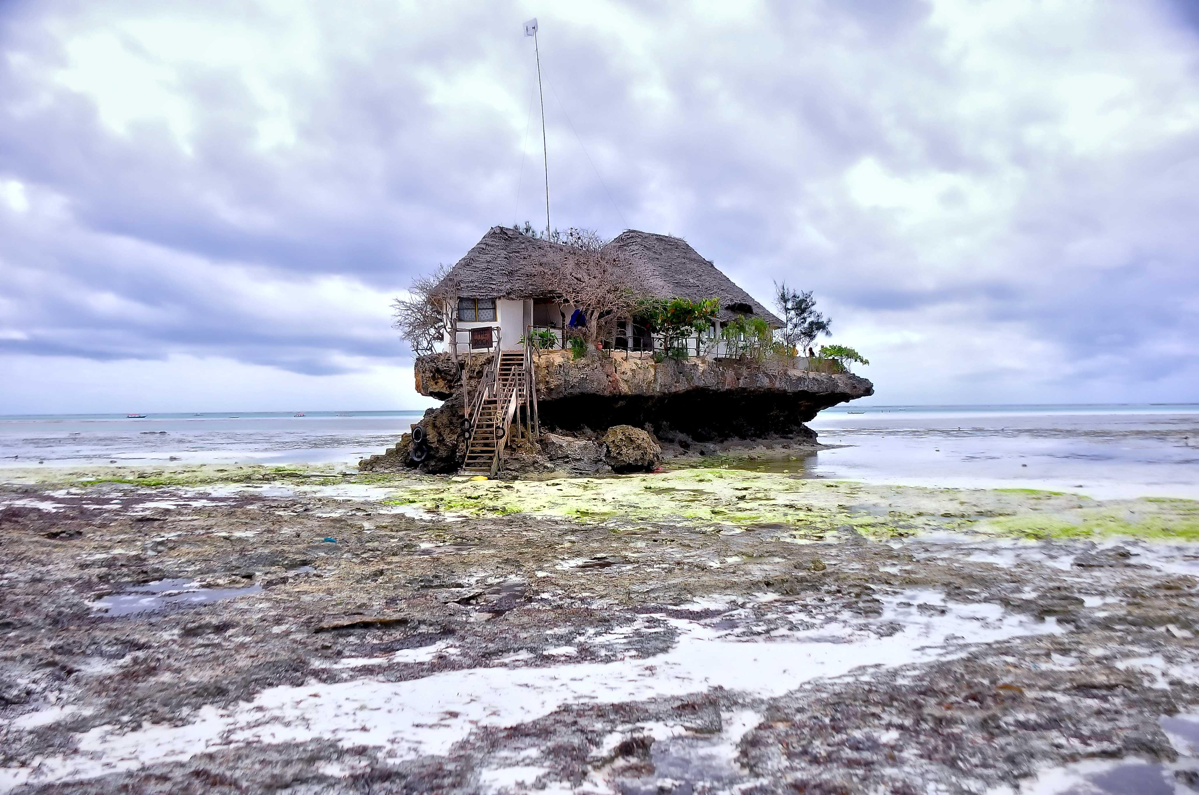 """Résultat de recherche d'images pour """"The Rock Restaurant"""""""