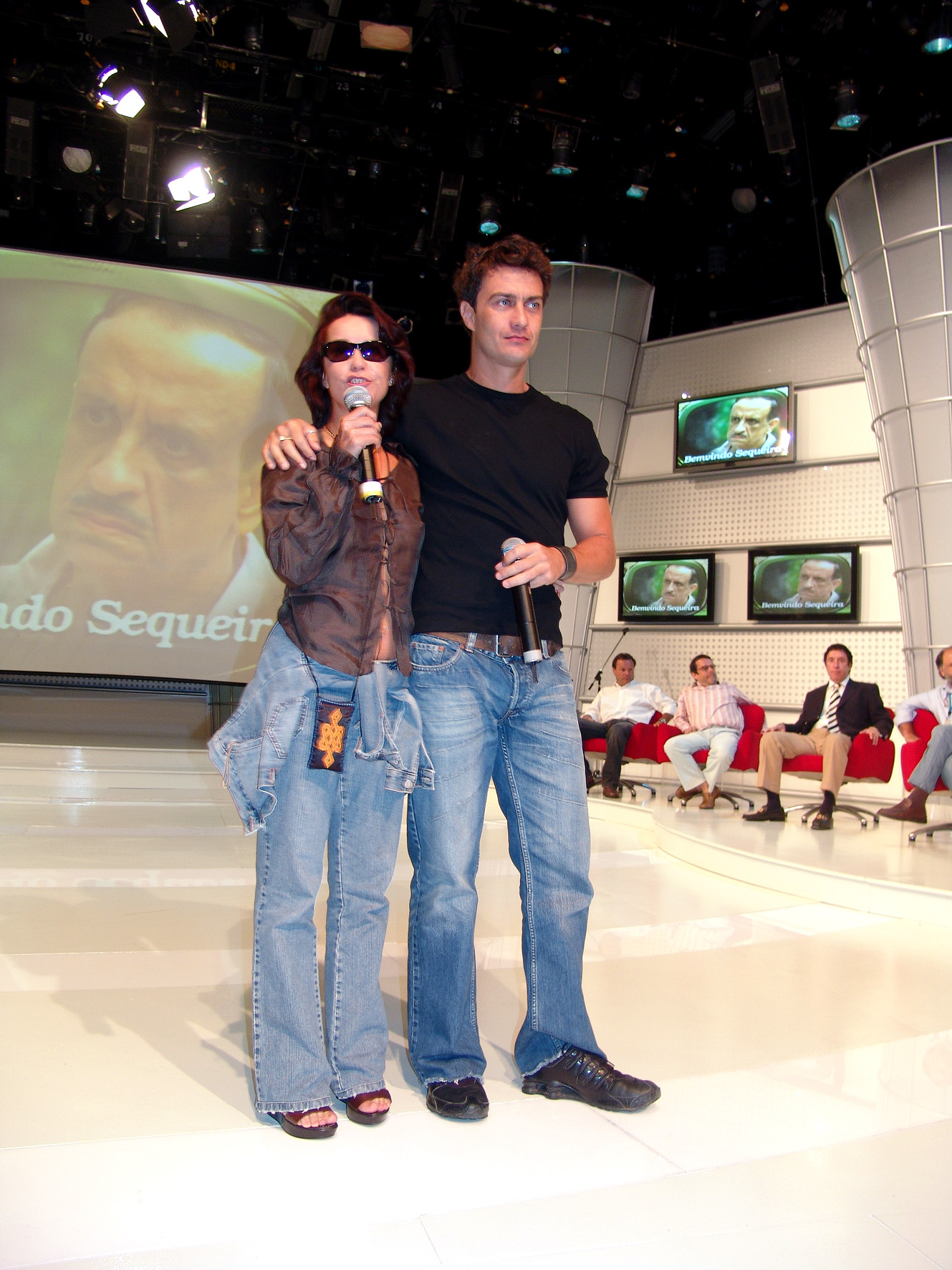 http://upload.wikimedia.org/wikipedia/commons/3/3e/Lucelia_e_Gabriel_Braga_Nunes.jpg
