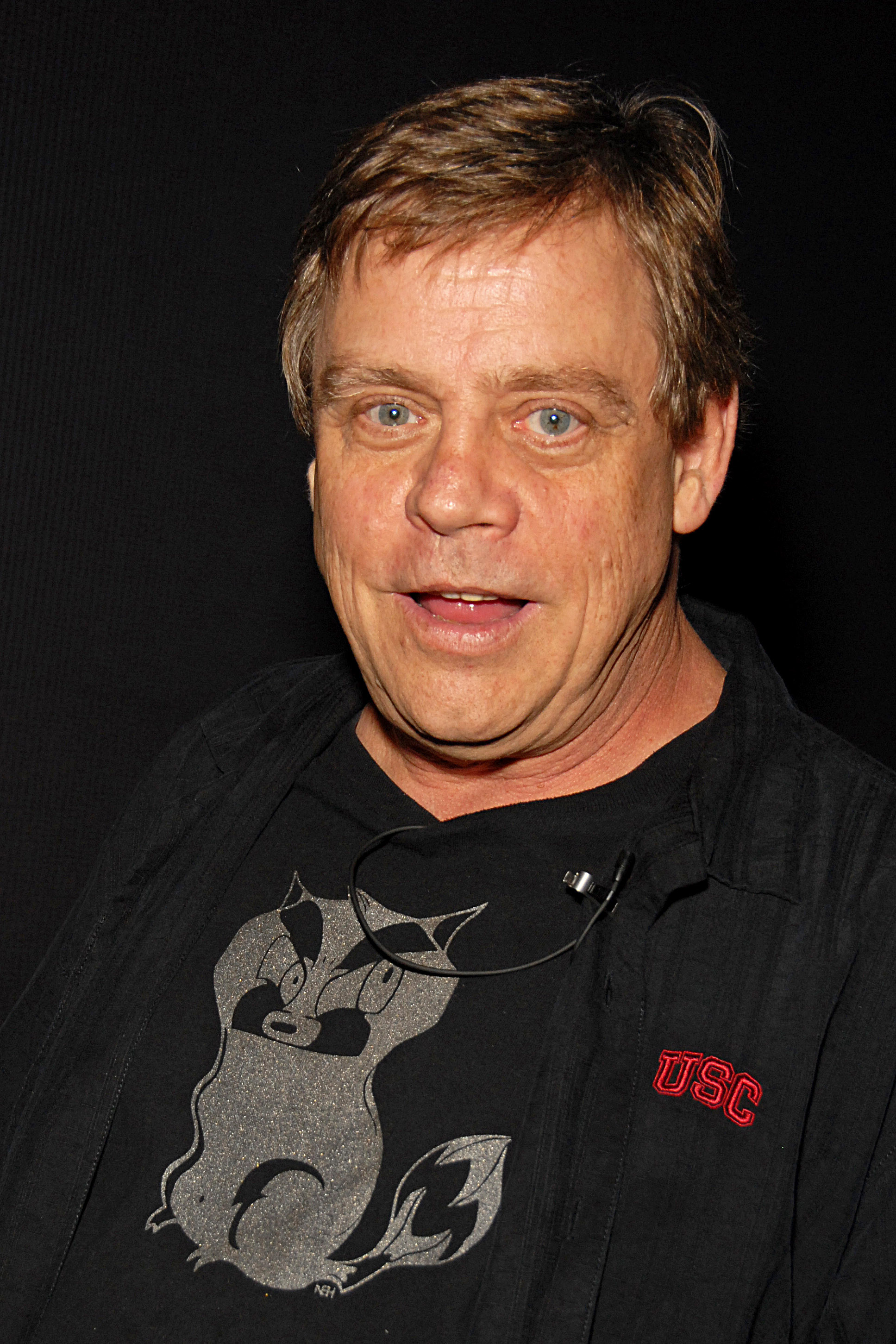 The 56-year old son of father William Thomas Hamill and mother Virginia Suzanne Hamill, 180 cm tall Mark Hamill in 2018 photo