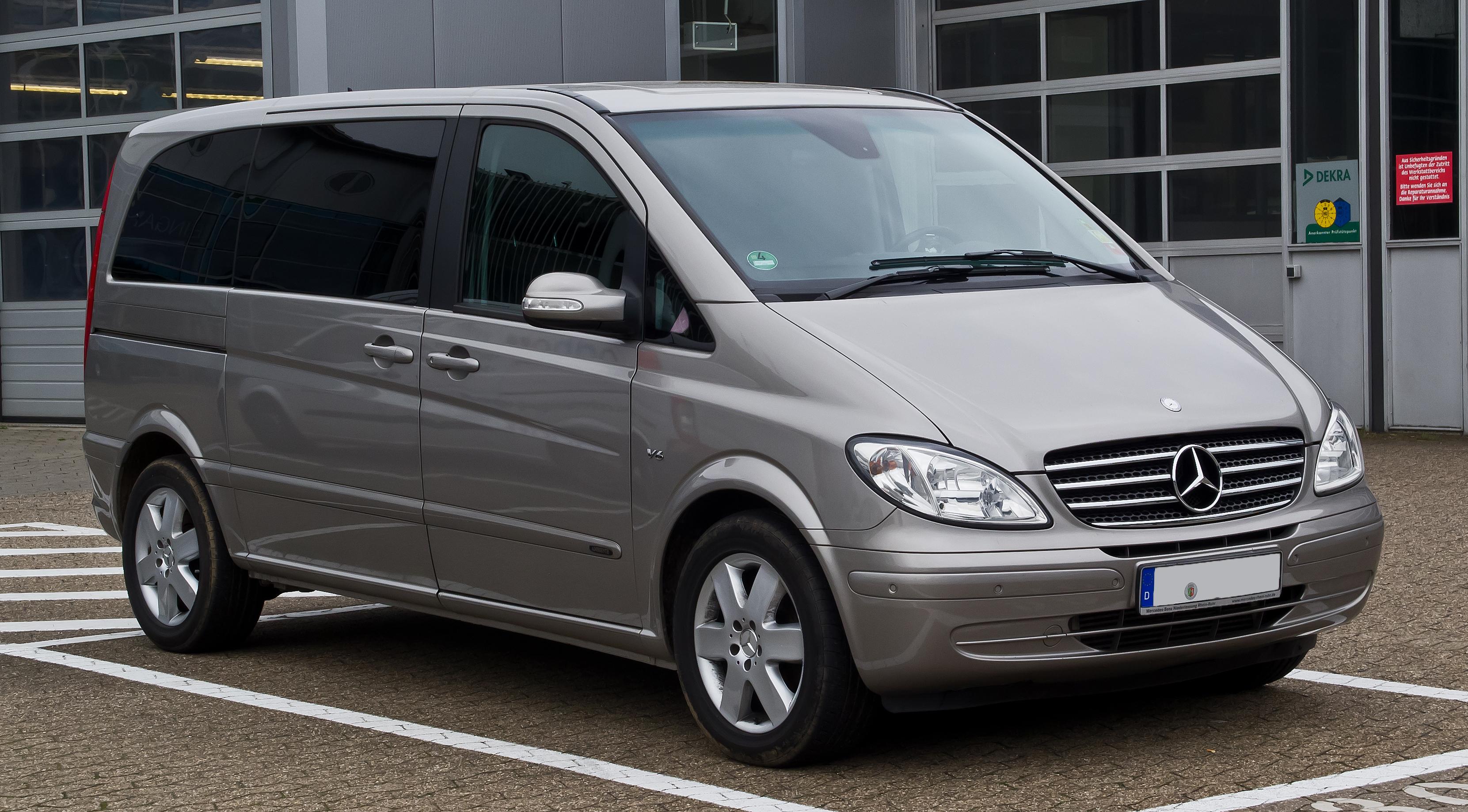 Neuer Sprinter 2019 >> File:Mercedes-Benz Viano Kompakt CDI 3.0 V6 Ambiente (W 639) – Frontansicht, 1. Juni 2013 ...