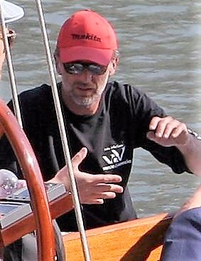 ファイル:Michael G. Wilson on Venice yacht crop.jpg