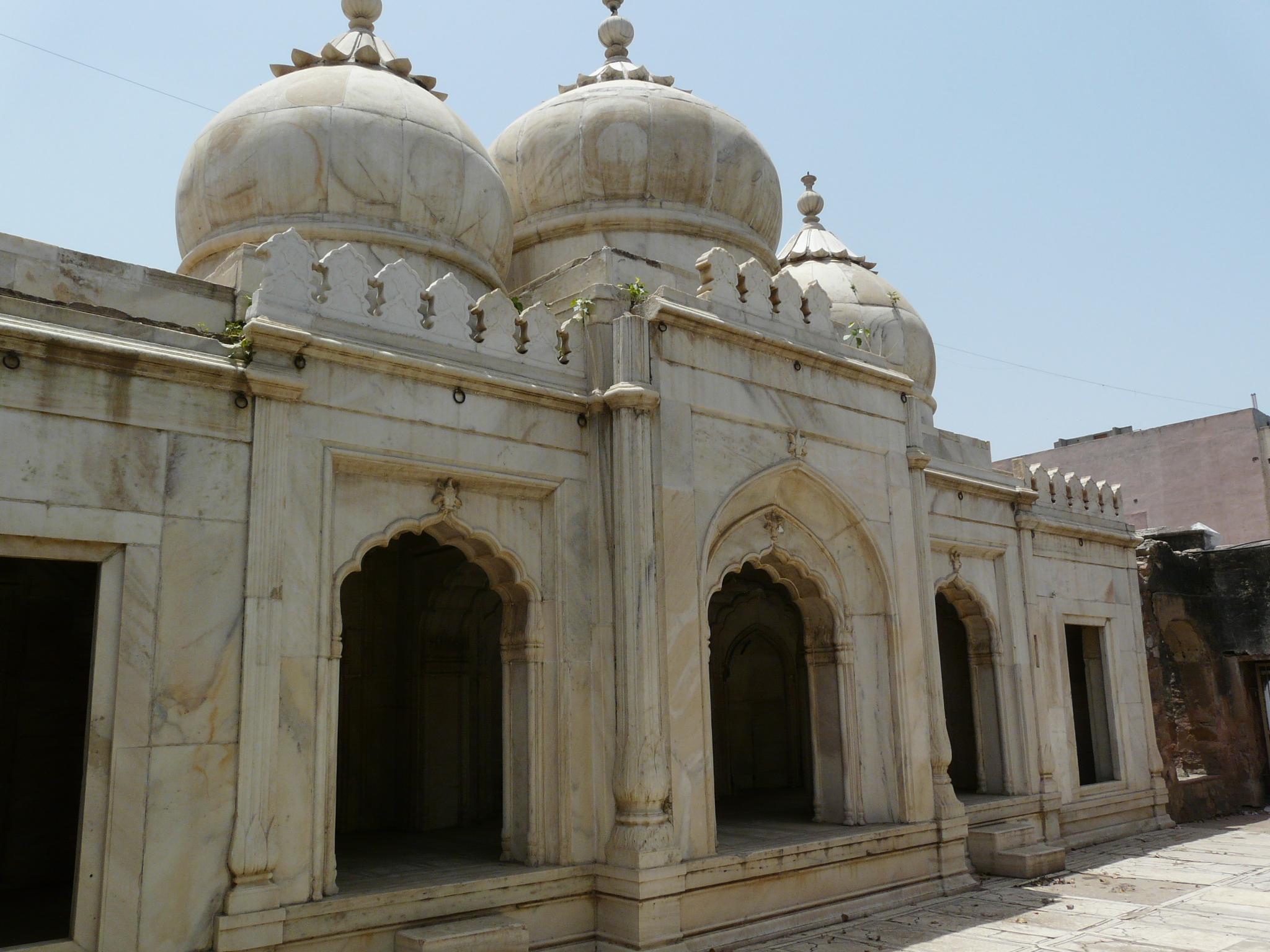 File Moti Masjid Mehrauli Delhi Jpg Wikimedia Commons