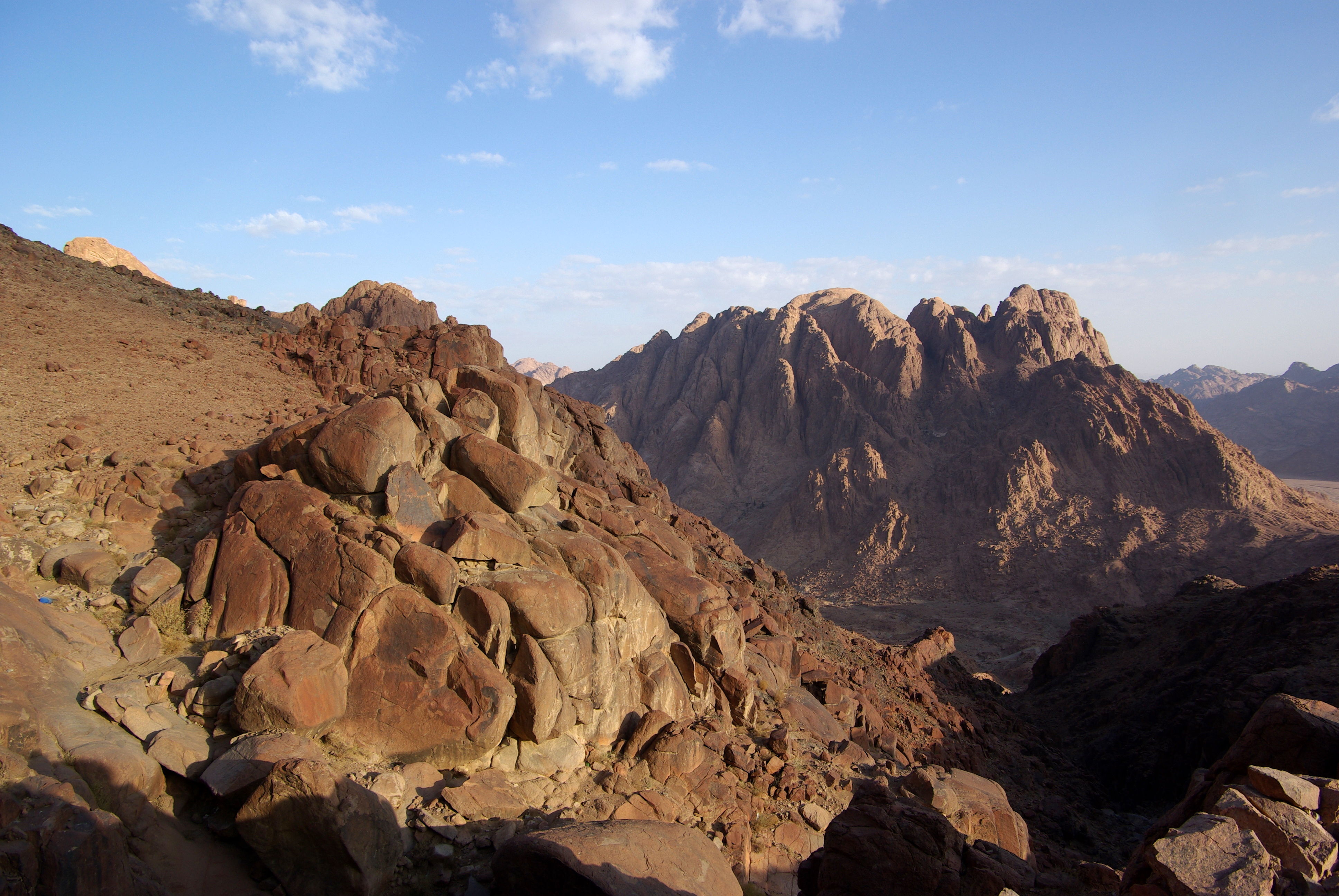 how tall is mount sinai