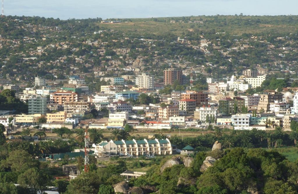 Mwanza from Capri Point, Tanzania.jpg