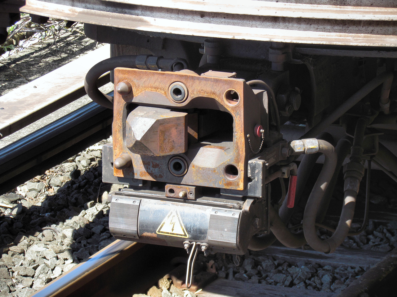 Model Railroad Coupler Types : Wiki railway coupling upcscavenger