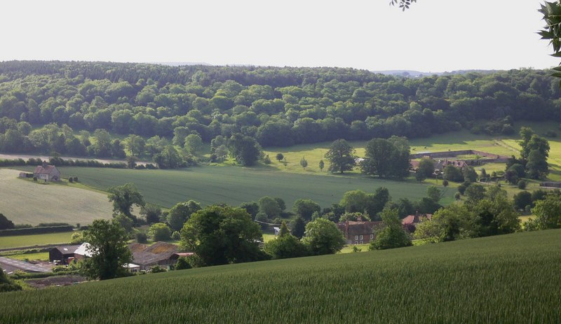 Old Idsworth seen from the Staunton Way on Idsworth Down - geograph.org.uk - 1923570