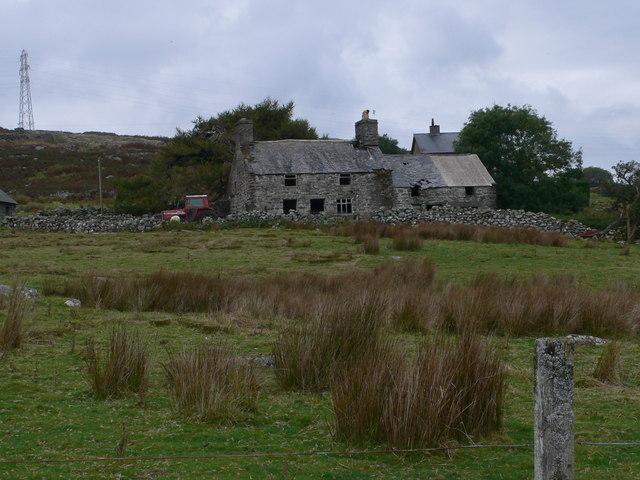Old farmhouse near Craig y Ronw - geograph.org.uk - 573180