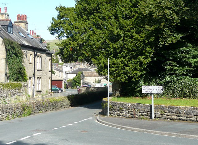 Old signpost, Giggleswick - geograph.org.uk - 1445482