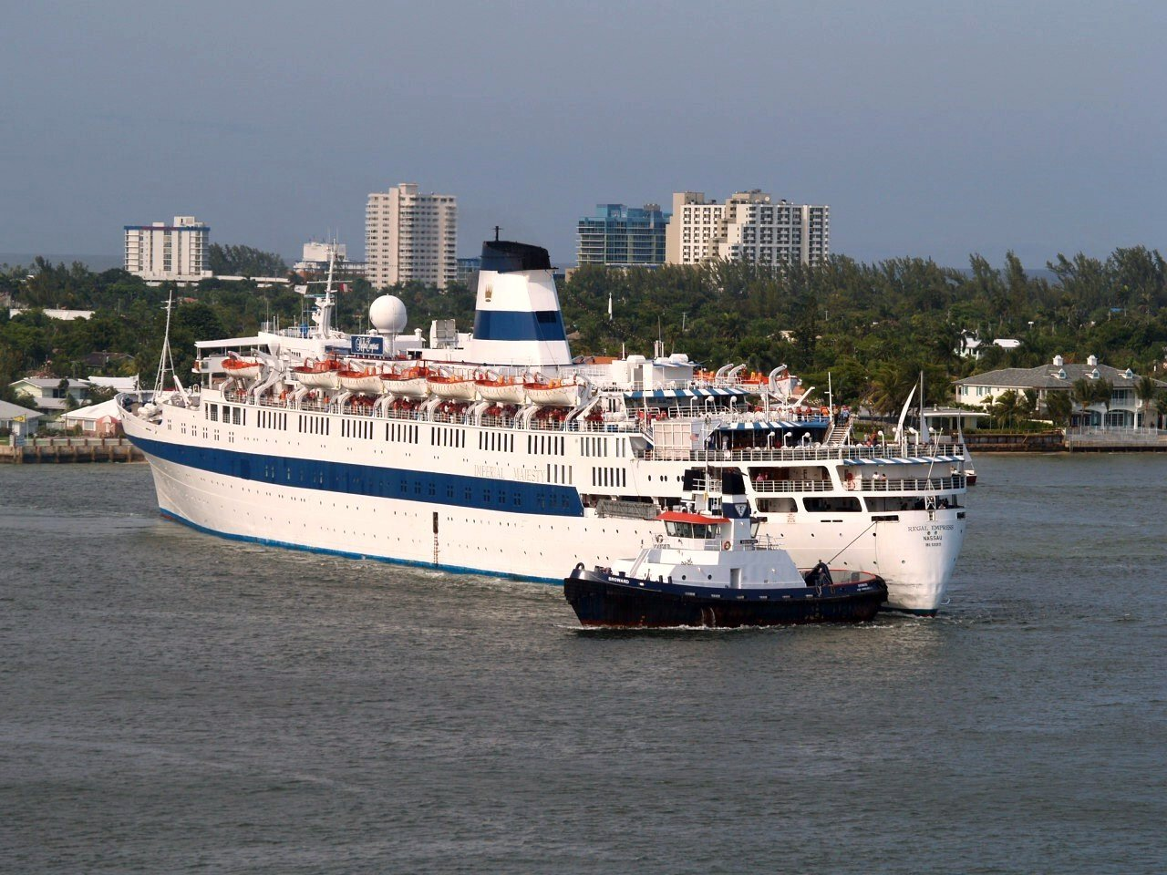 FilePassenger Cruise Ship Regal Empressjpg  Wikimedia