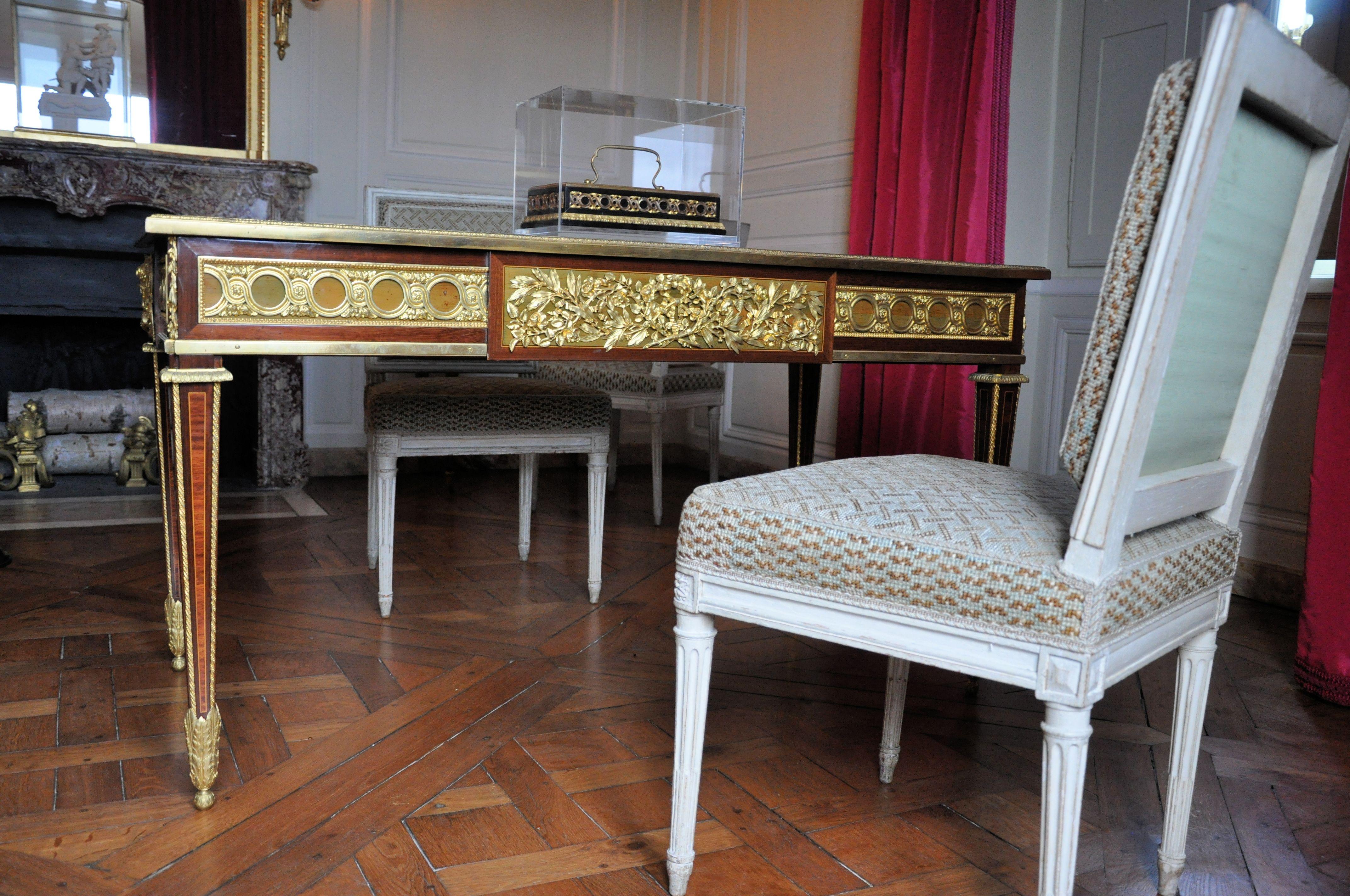 Fichier petit trianon cabinet de l attique bureau de louis xvi