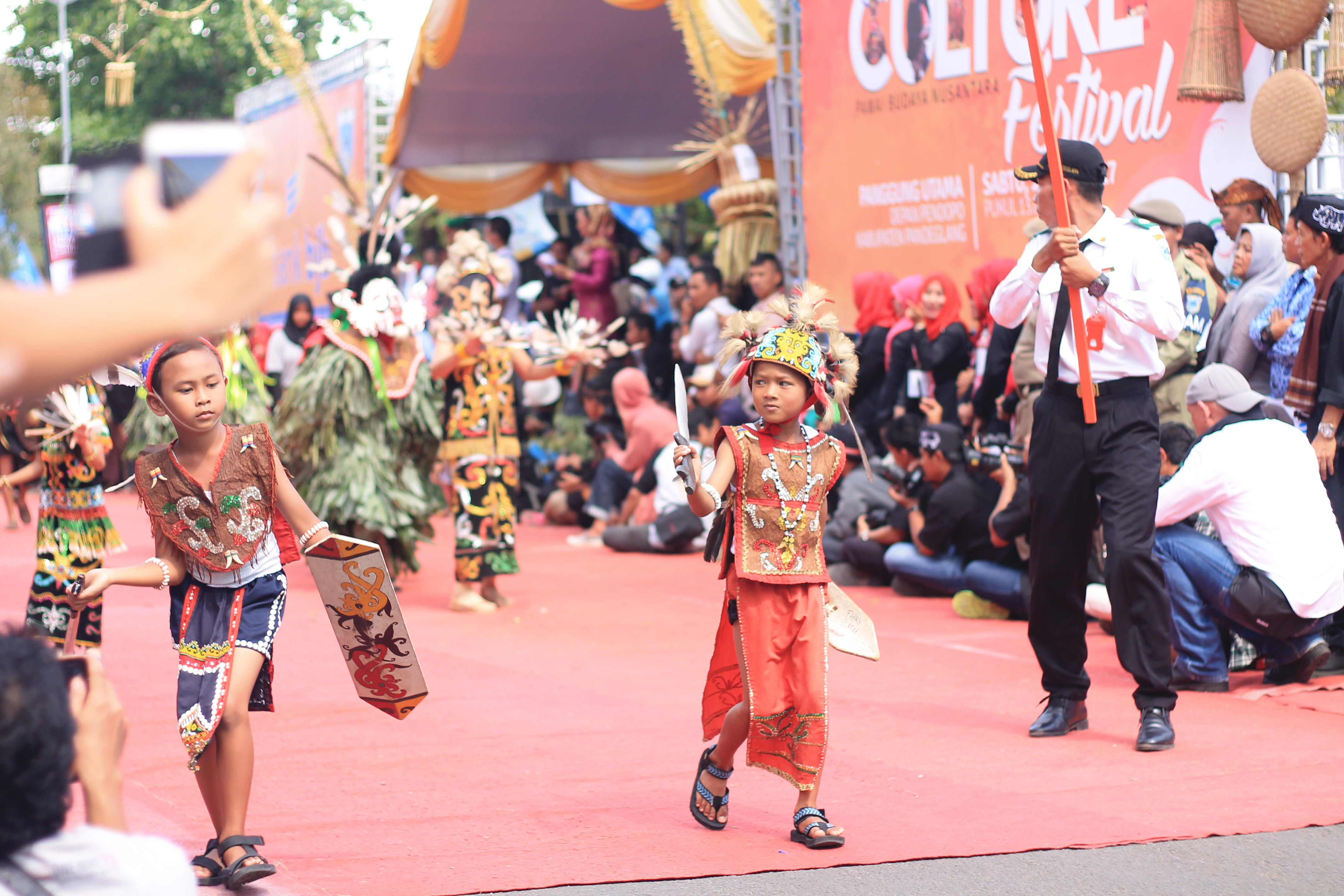 File Ragam Budaya Di Indonesia Jpg Wikimedia Commons
