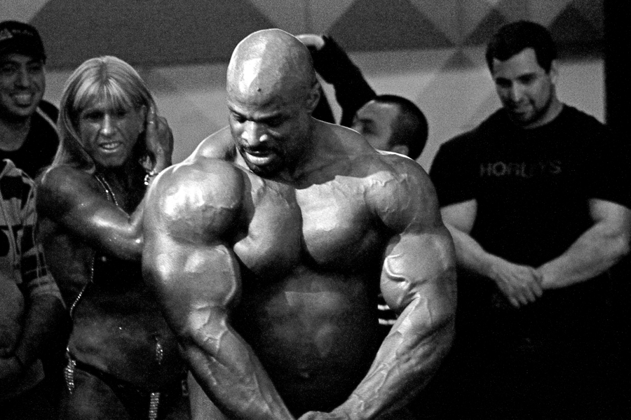 File:Ronnie Coleman 8 x Mr Olympia - 2009 - 6.png