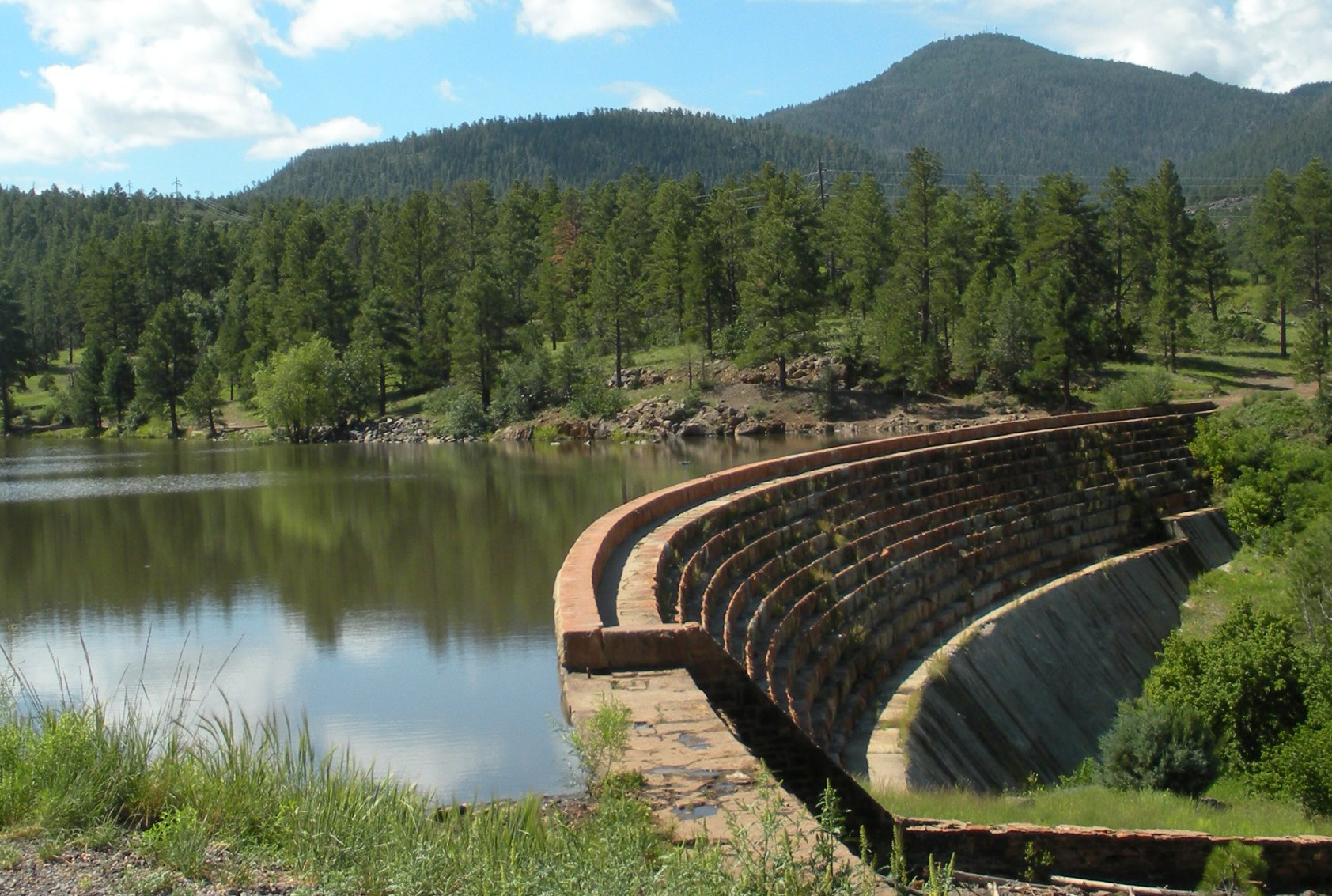File Santa Fe Dam In Williams Jpg Wikimedia Commons
