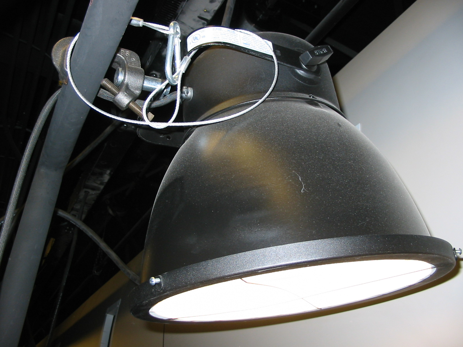 Is It Better To Have Vanity Lights Up Or Down : Scoop (theater) - Wikipedia