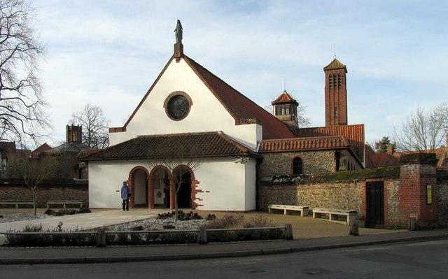 Les grands pèlerinages chrétiens à partir de l`Angleterre au Moyen-Âge - Canterbury -Terre-Sainte - Rome - Compostelle Shrine_of_Our_Lady_of_Walsingham,_Little_Walsingham,_Norfolk_-_geograph.org.uk_-_339149