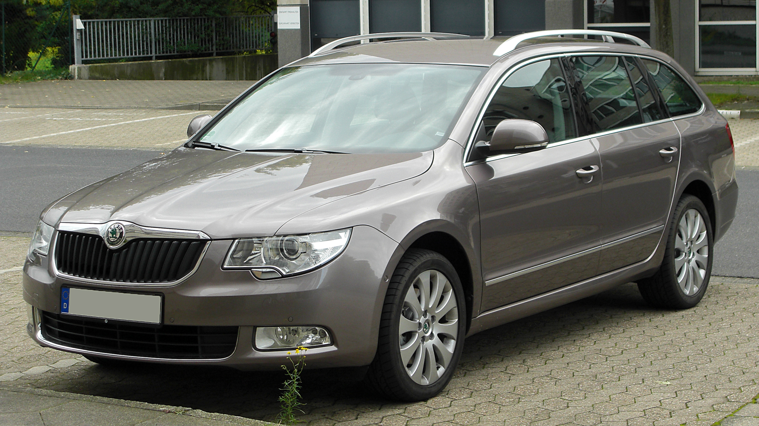 file skoda superb ii combi front wikimedia commons. Black Bedroom Furniture Sets. Home Design Ideas