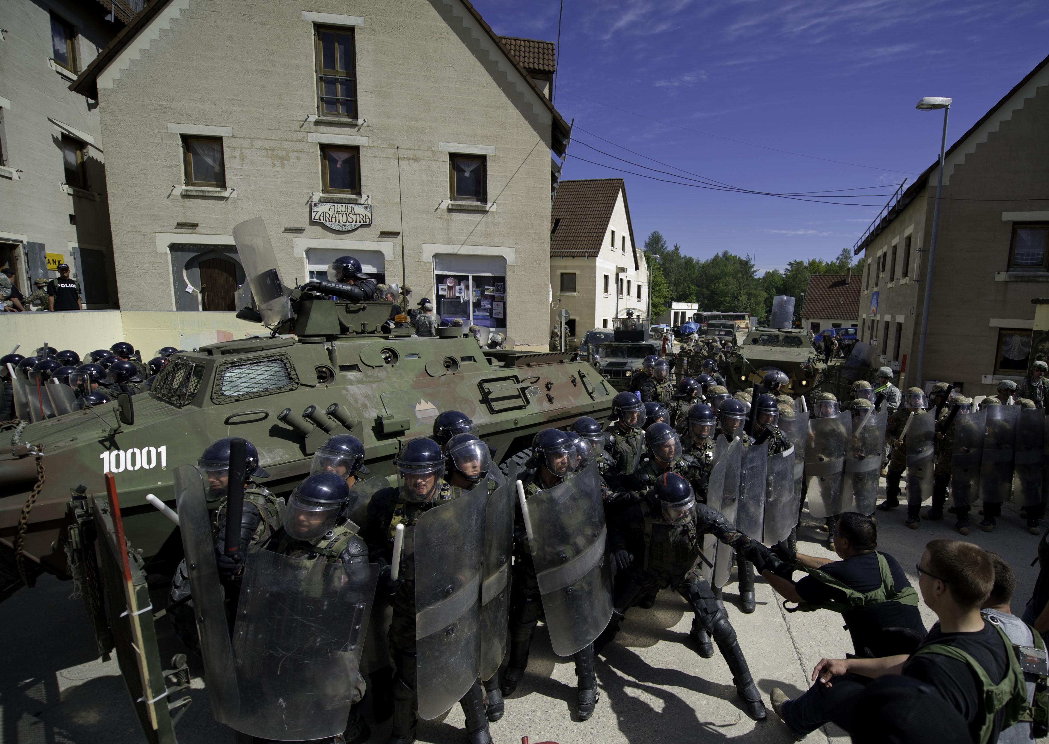 The role of nato in the kosovo crisis