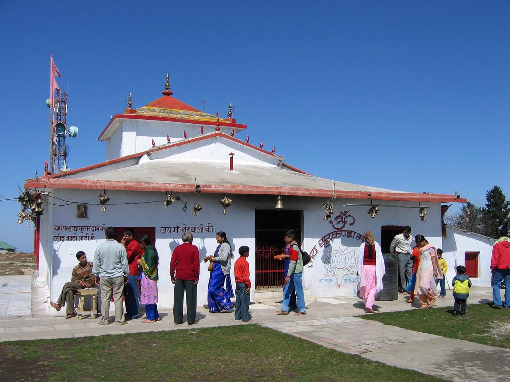 Surkanda Devi