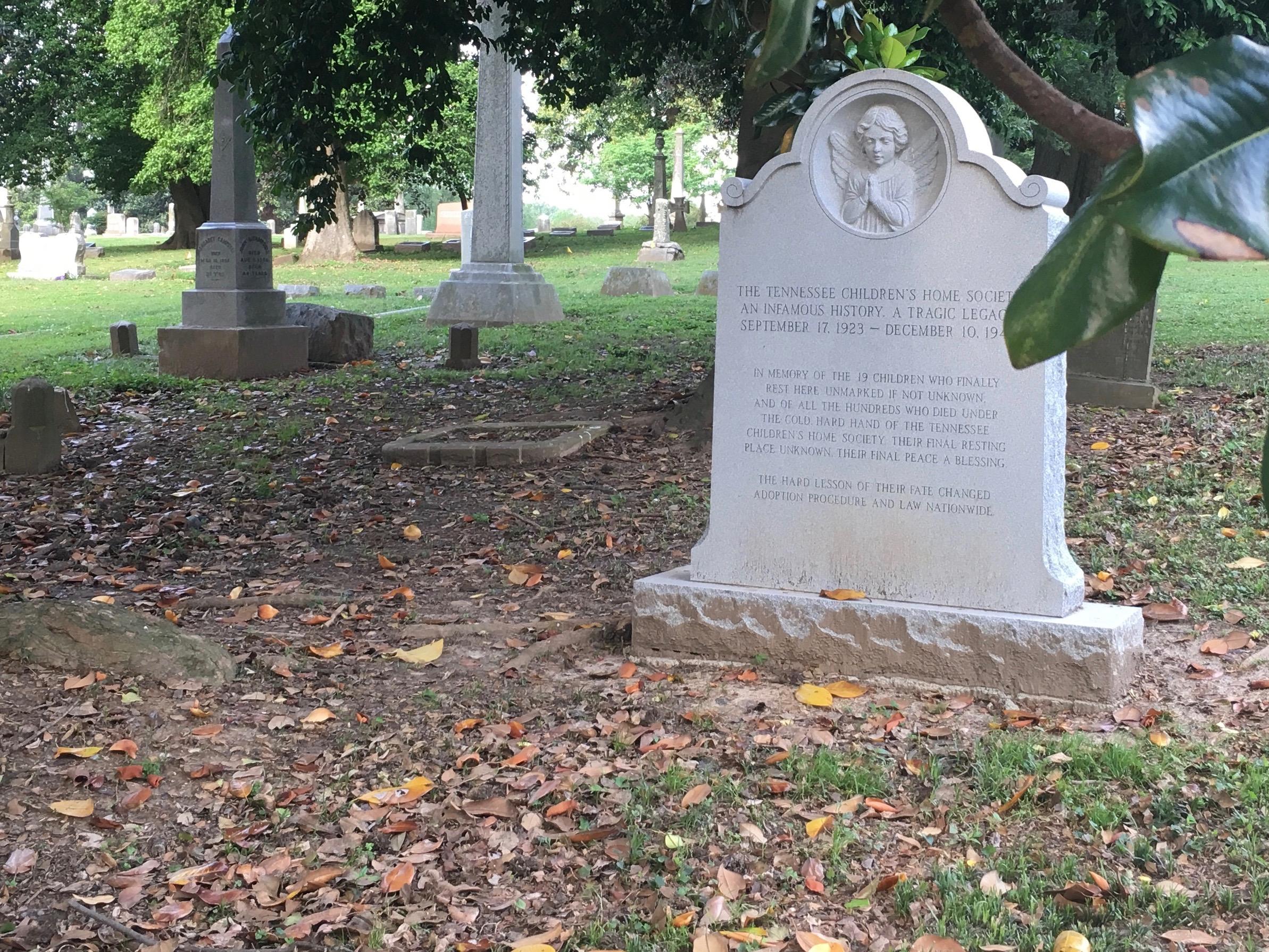 File:Tennessee Children's Home Society Memorial Marker, Elmwood Cemetery,  Memphis, 2015.jpg - Wikimedia Commons