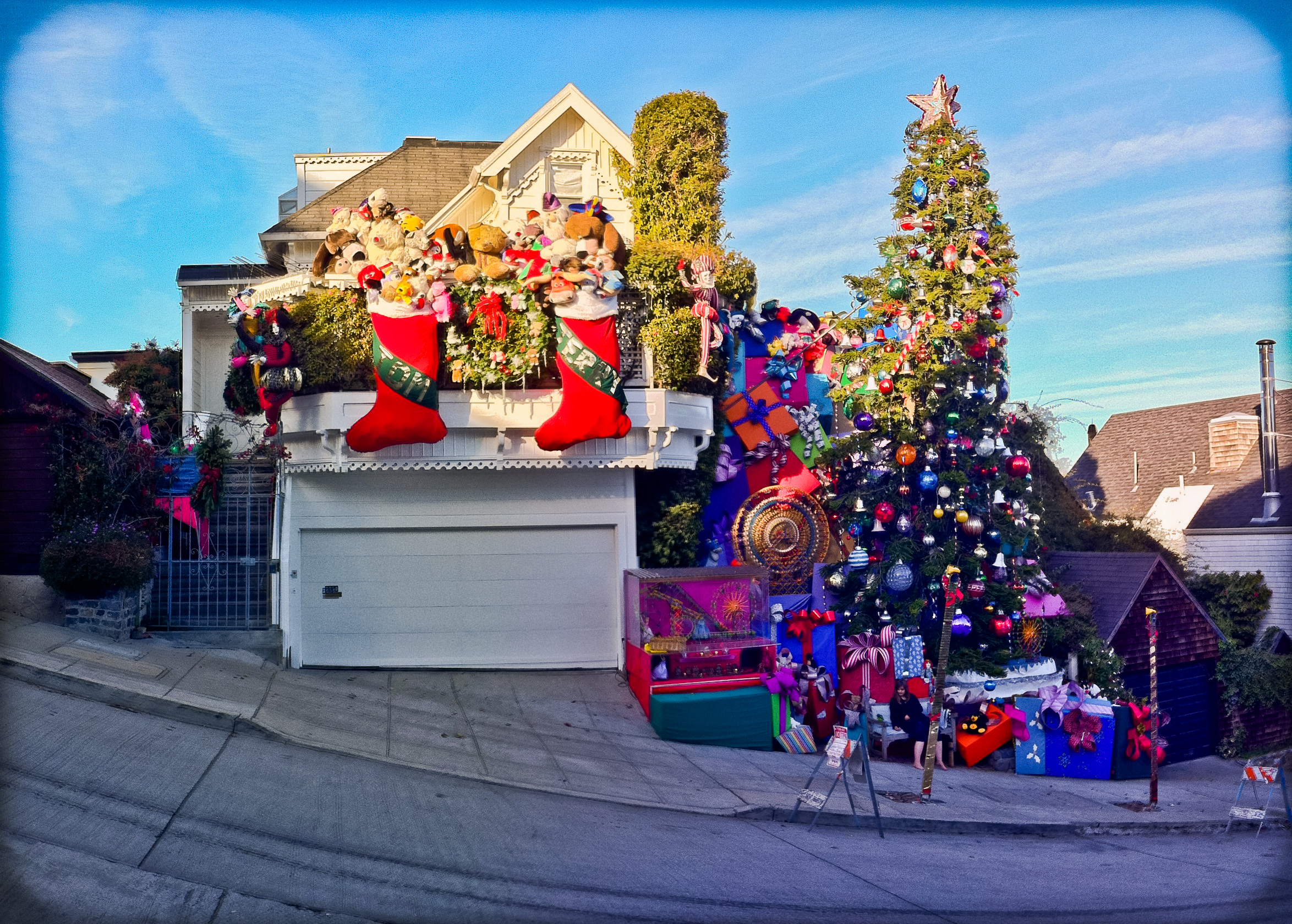 File:Tom and Jerry Christmas Tree House (6558479829).jpg ...