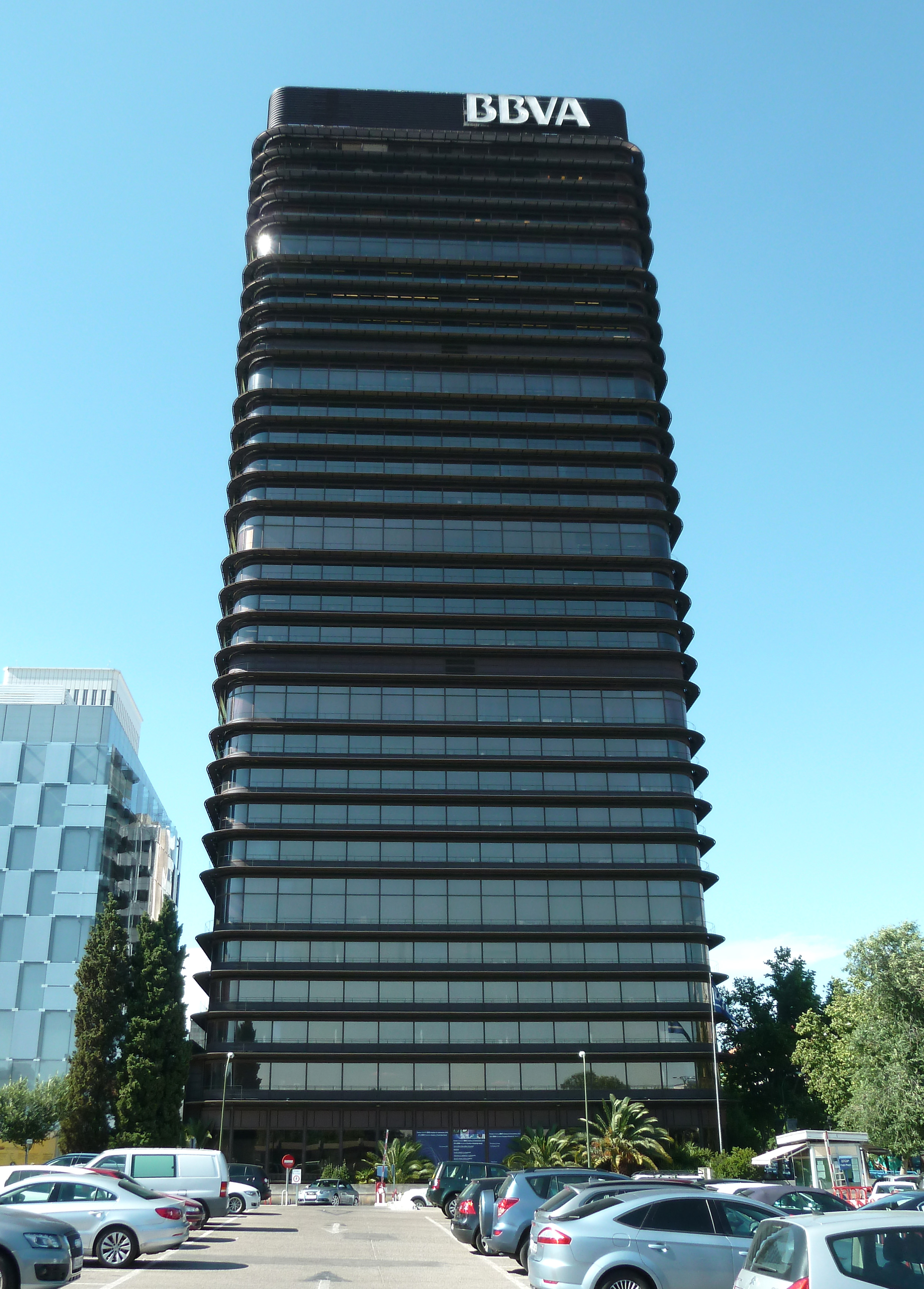 File torre del banco de bilbao wikimedia commons for Oficinas bbva castellon