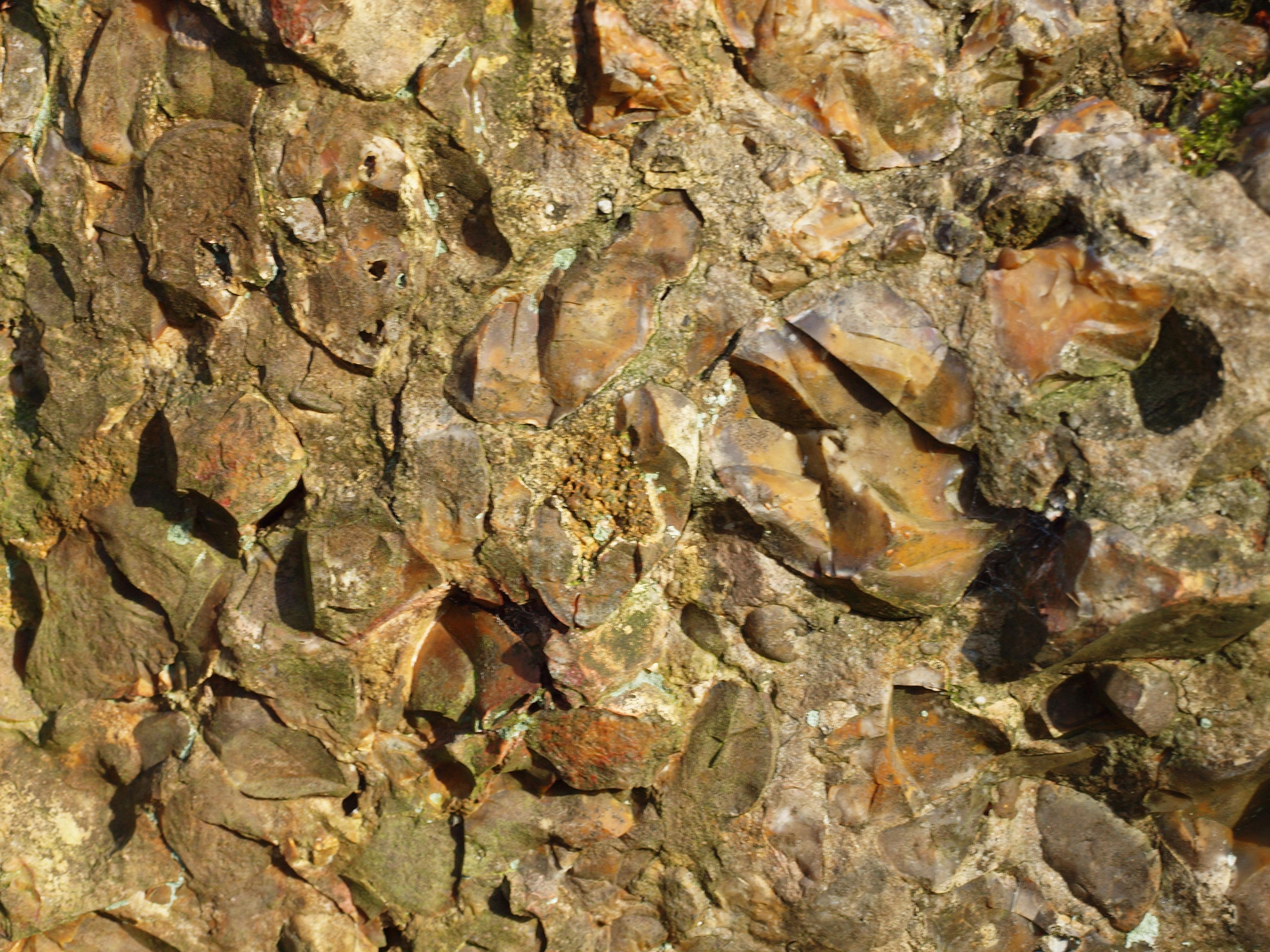Pierre De L Yonne file:villeneuve-sur-yonne-fr-89-menhir de pierre frite-a3