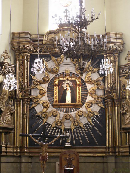 File:Virgen de la Paloma (Madrid) 01.jpg