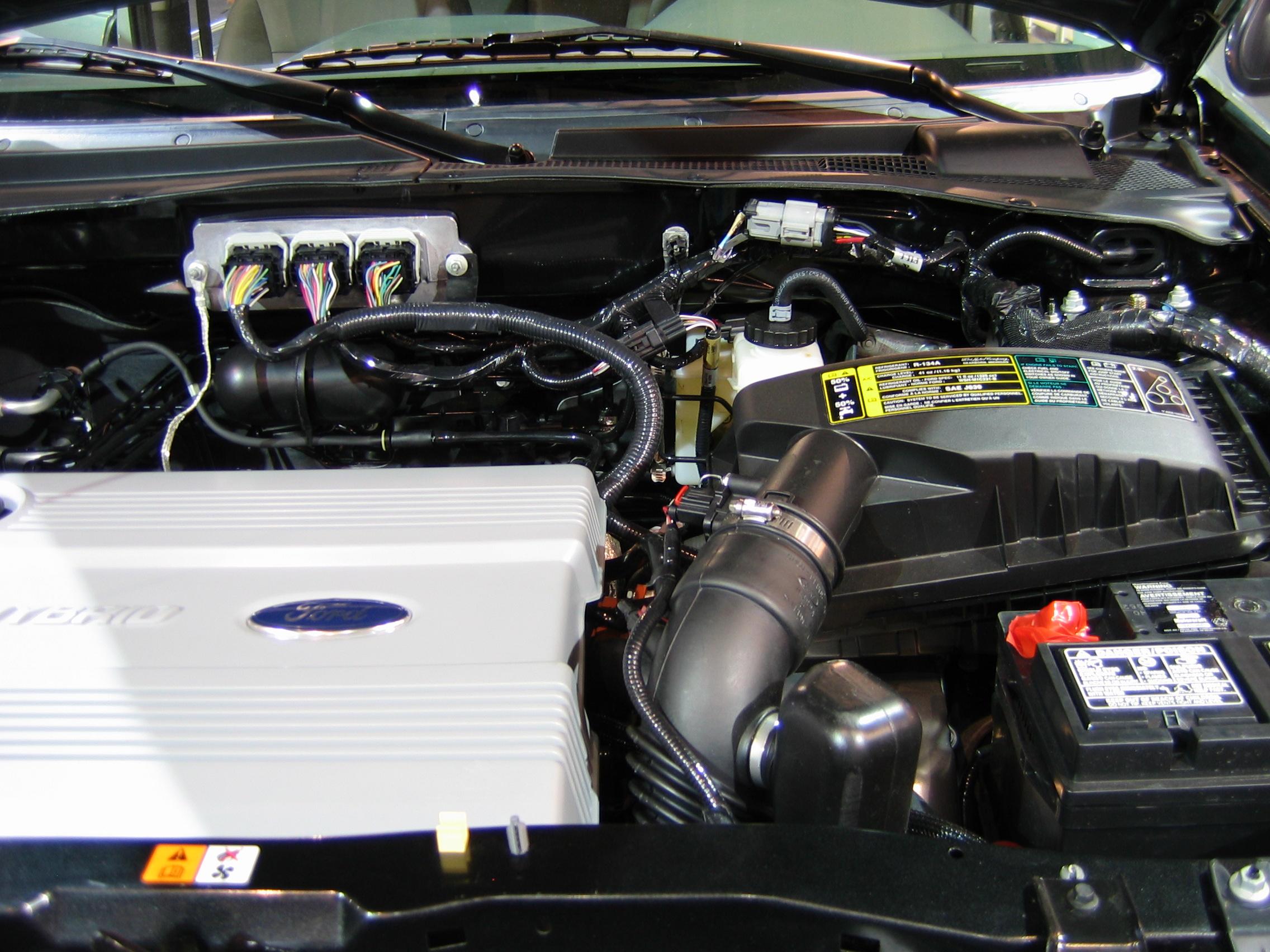 FileWashauto06 ford escape hybrid engine2jpg  Wikimedia Commons
