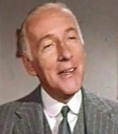 File:Wilfrid Hyde-White in Ada trailer (2).jpg