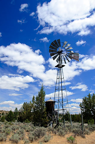 File:Windmill (Jefferson County, Oregon scenic images) (jefDB1567).jpg