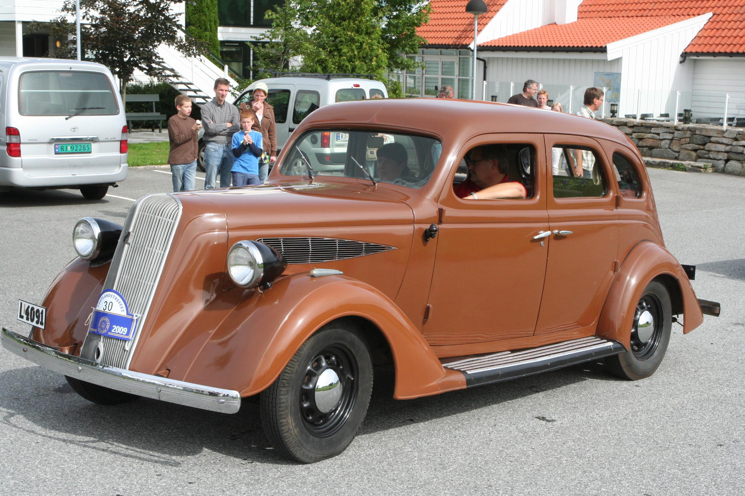 File:1936 Nash 400 de Luxe, Owner Cees Mijnders IMG 9327 ...