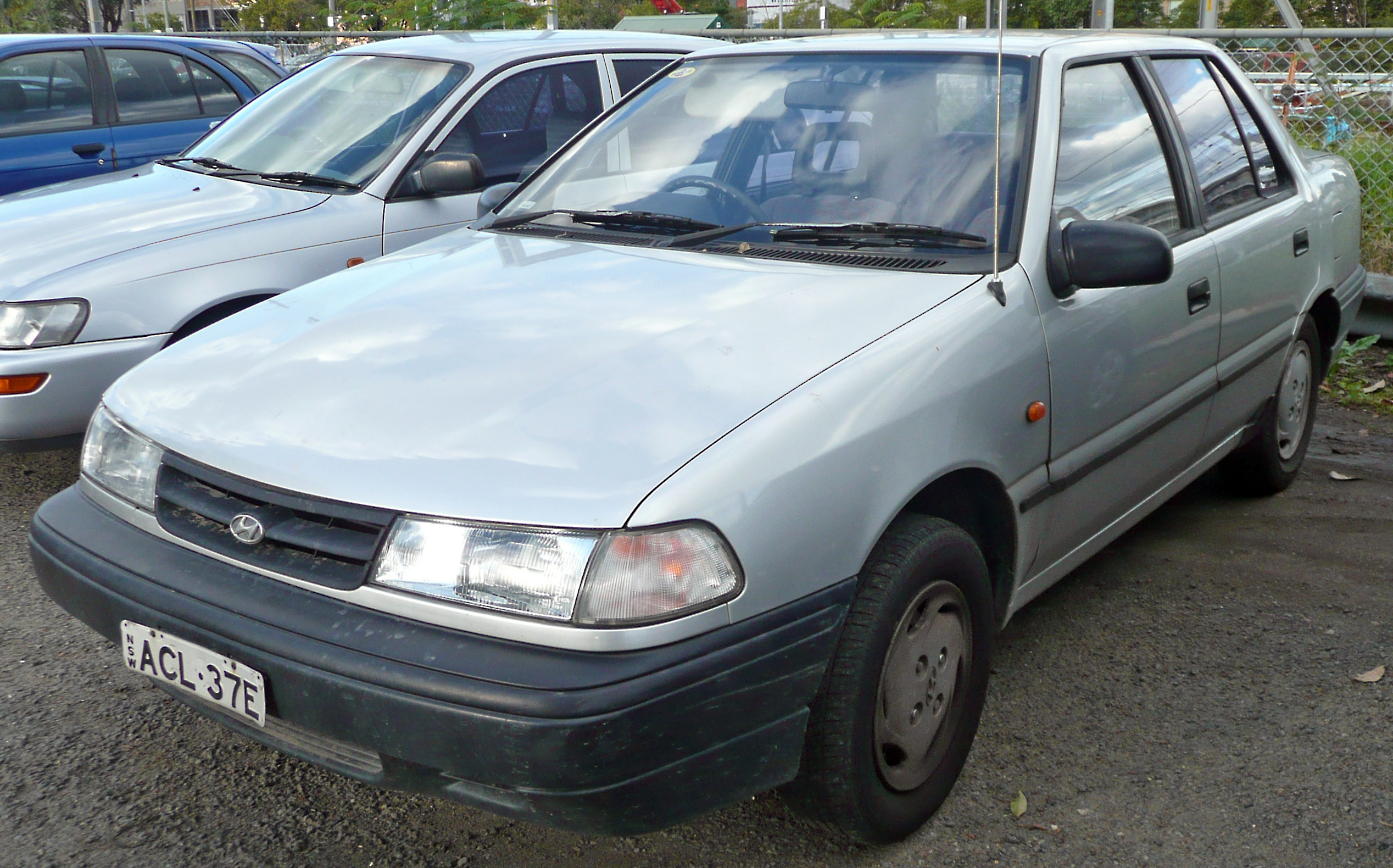 File 1991 1994 Hyundai Excel X2 Ls Sedan 01 Jpg