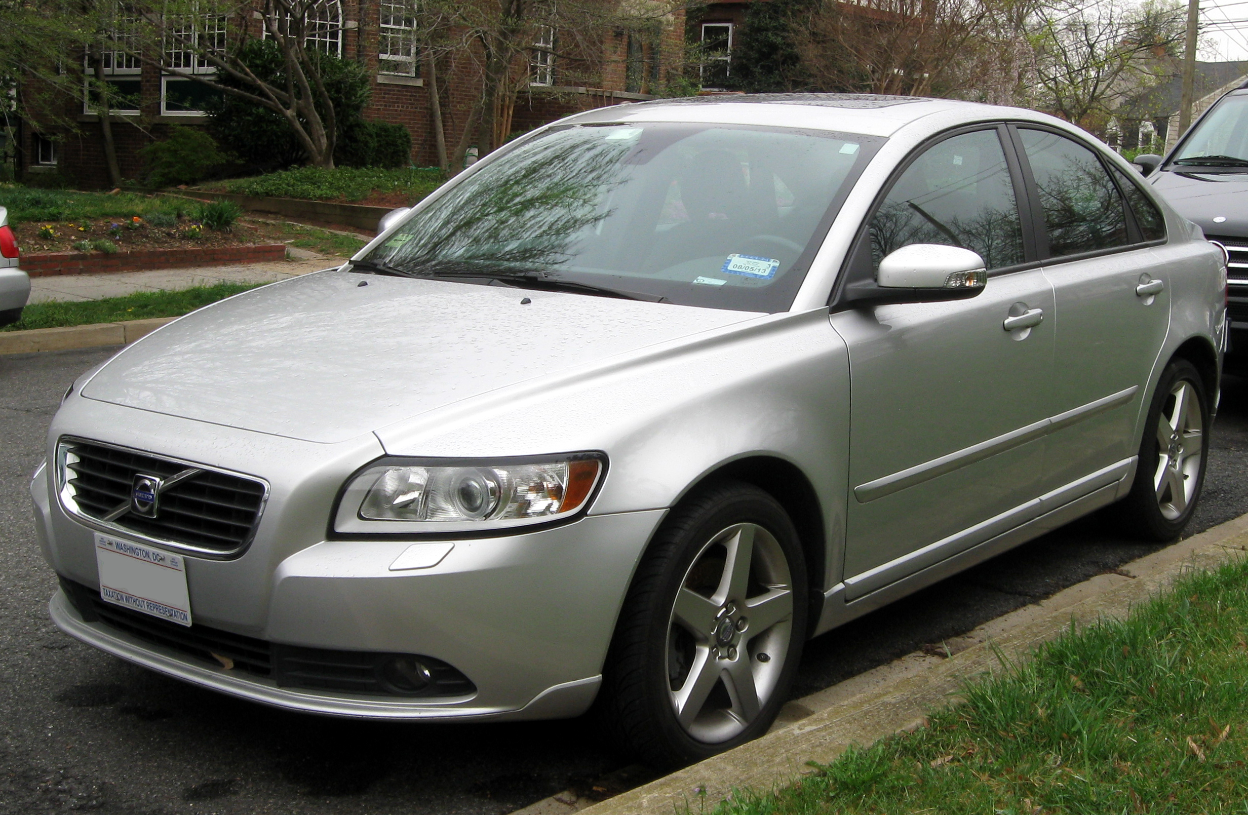 file:2008-2011 volvo s40 -- 03-21-2012 2 - wikimedia commons
