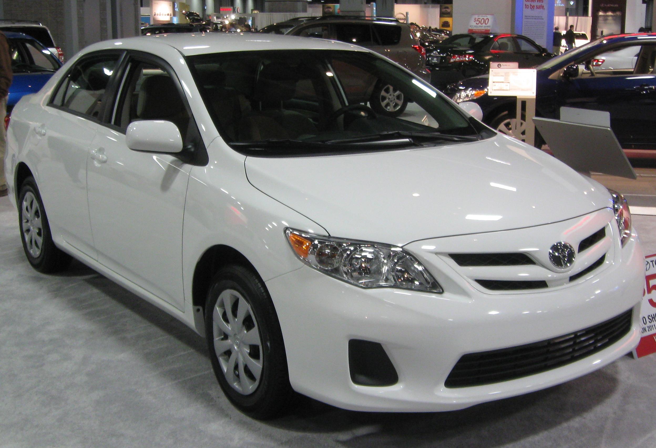 File:2011 Toyota Corolla LE    2011 DC