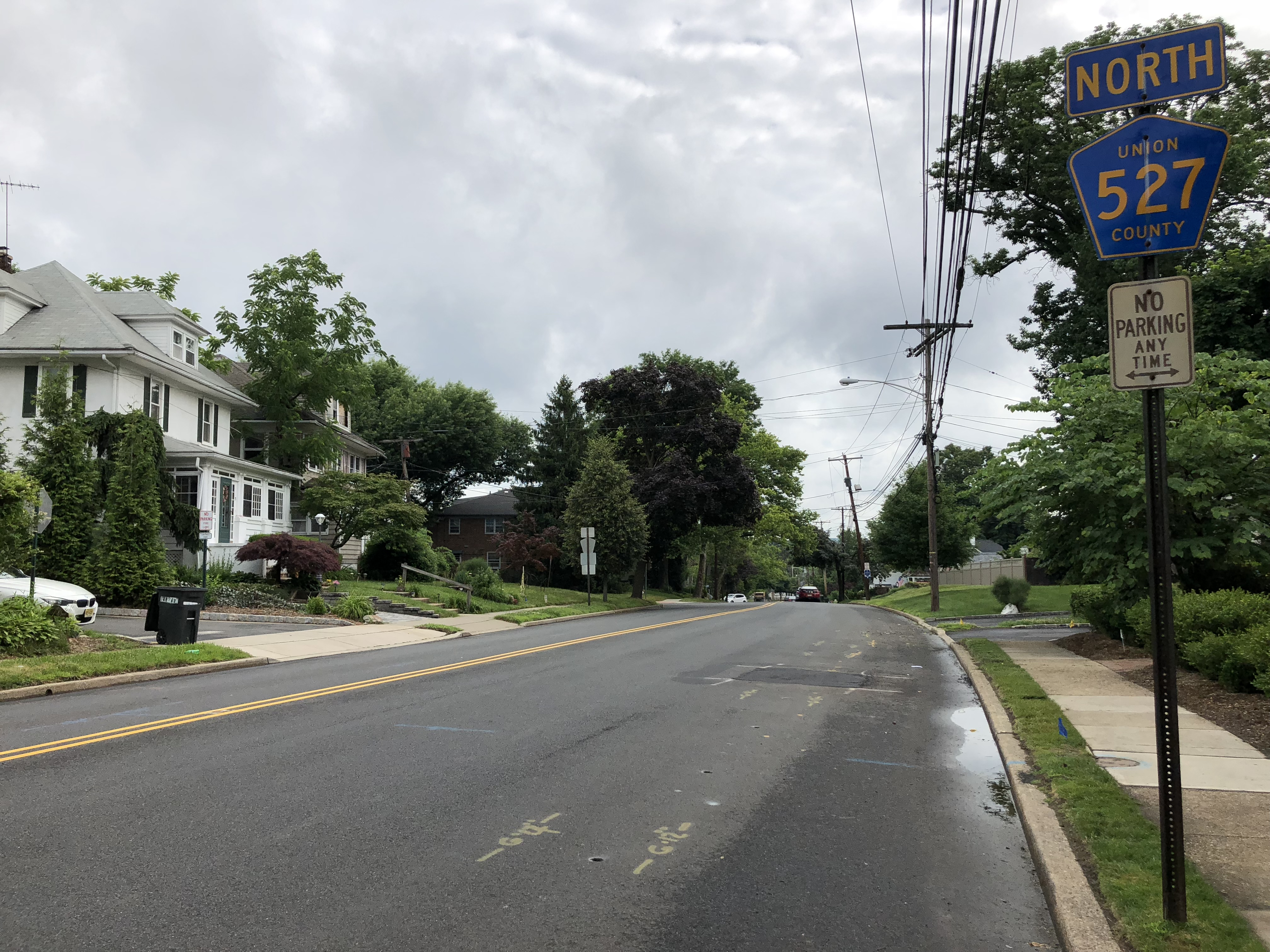File:2018-06-21 09 33 45 View north along Union County Route