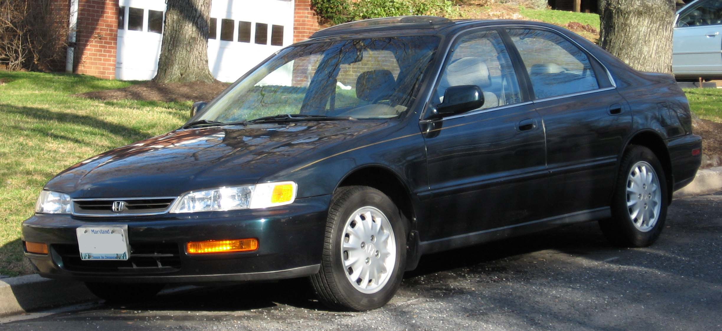 File:5th-Honda-Accord-sedan.jpg - Wikimedia Commons