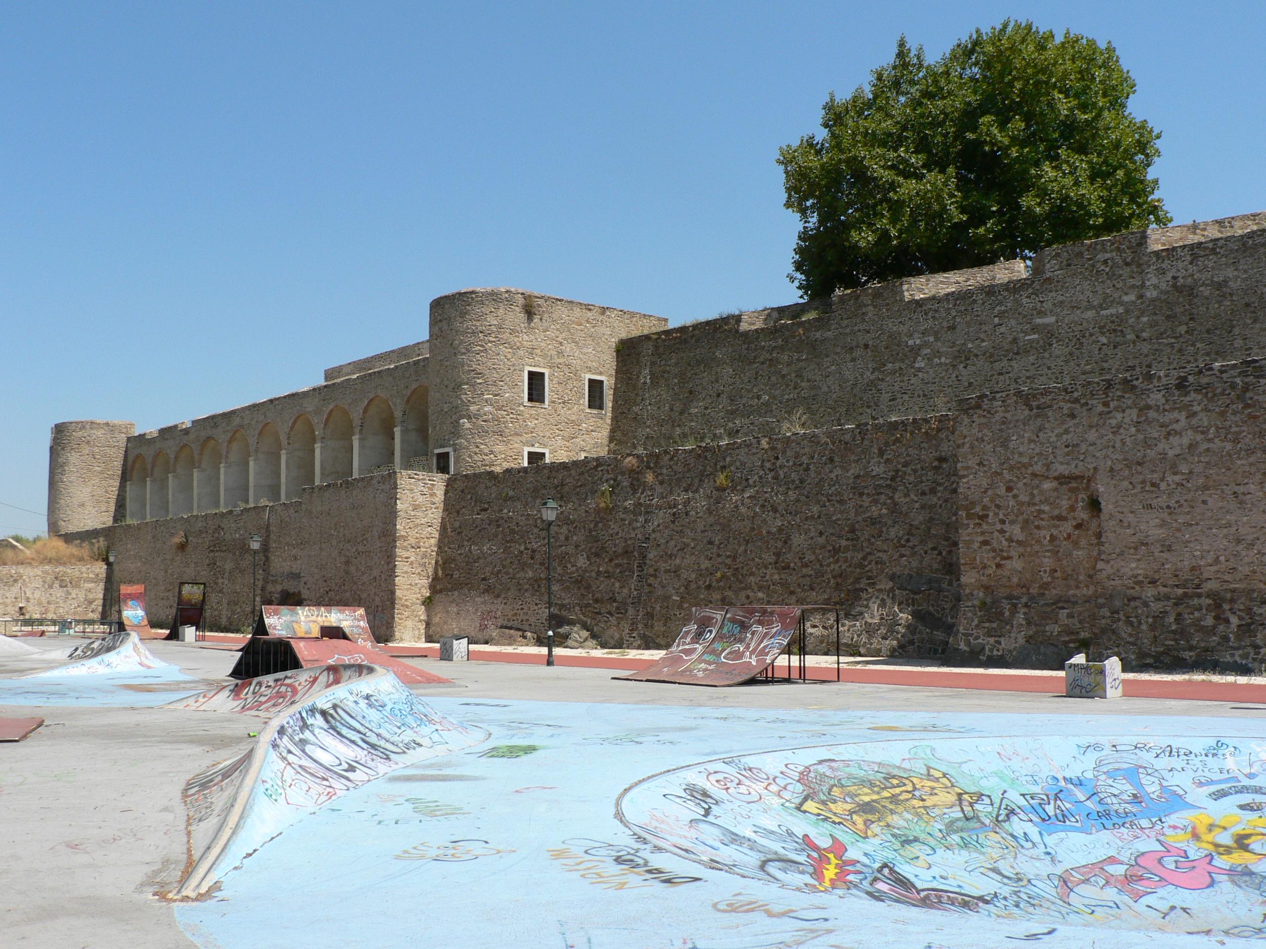 Castle of Abrantes - Wikipedia