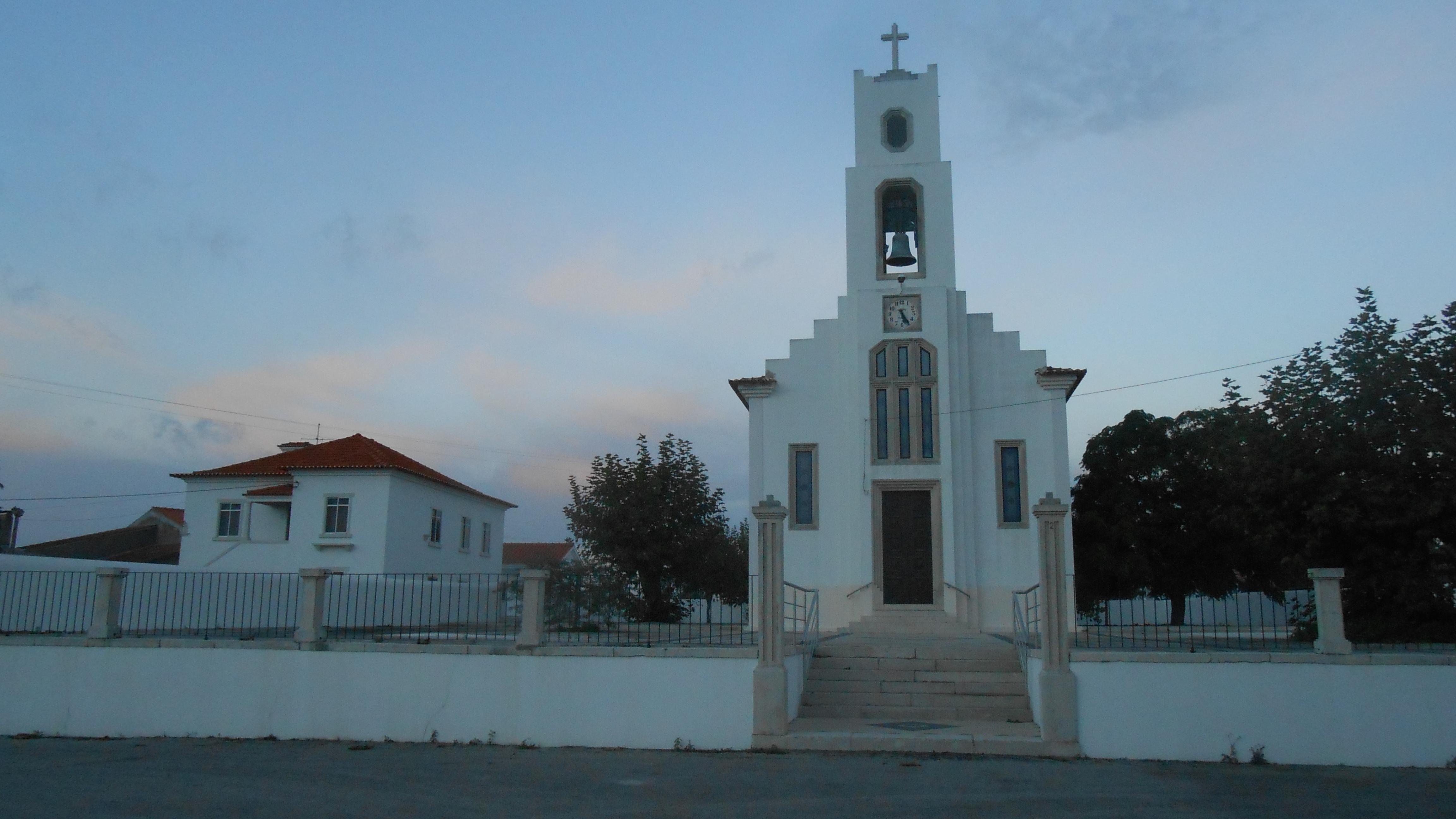 File Abrunheira Igreja 2 Jpg Wikimedia Commons