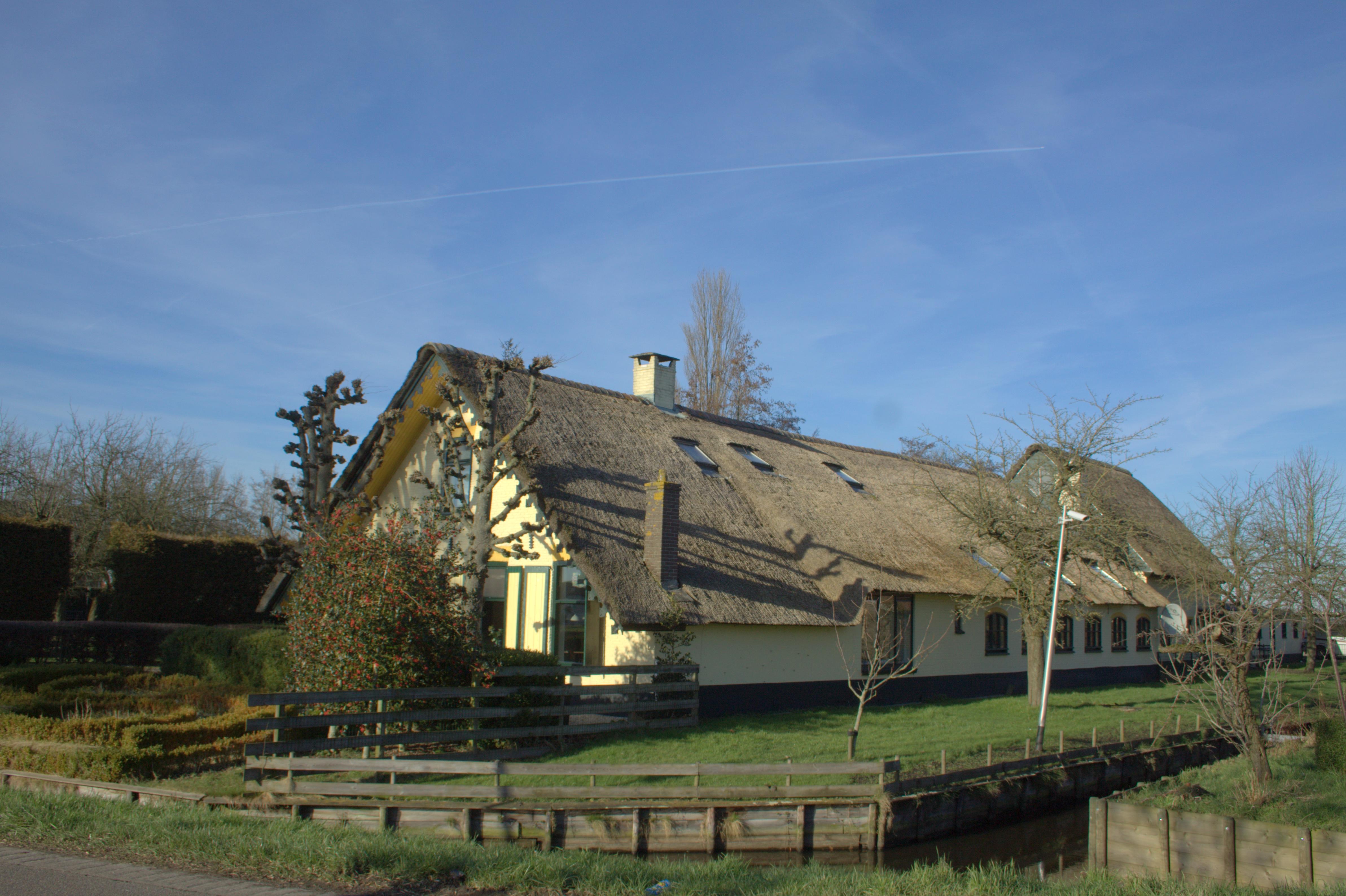 File achttienhoven met een mooie lang huis boerderij g