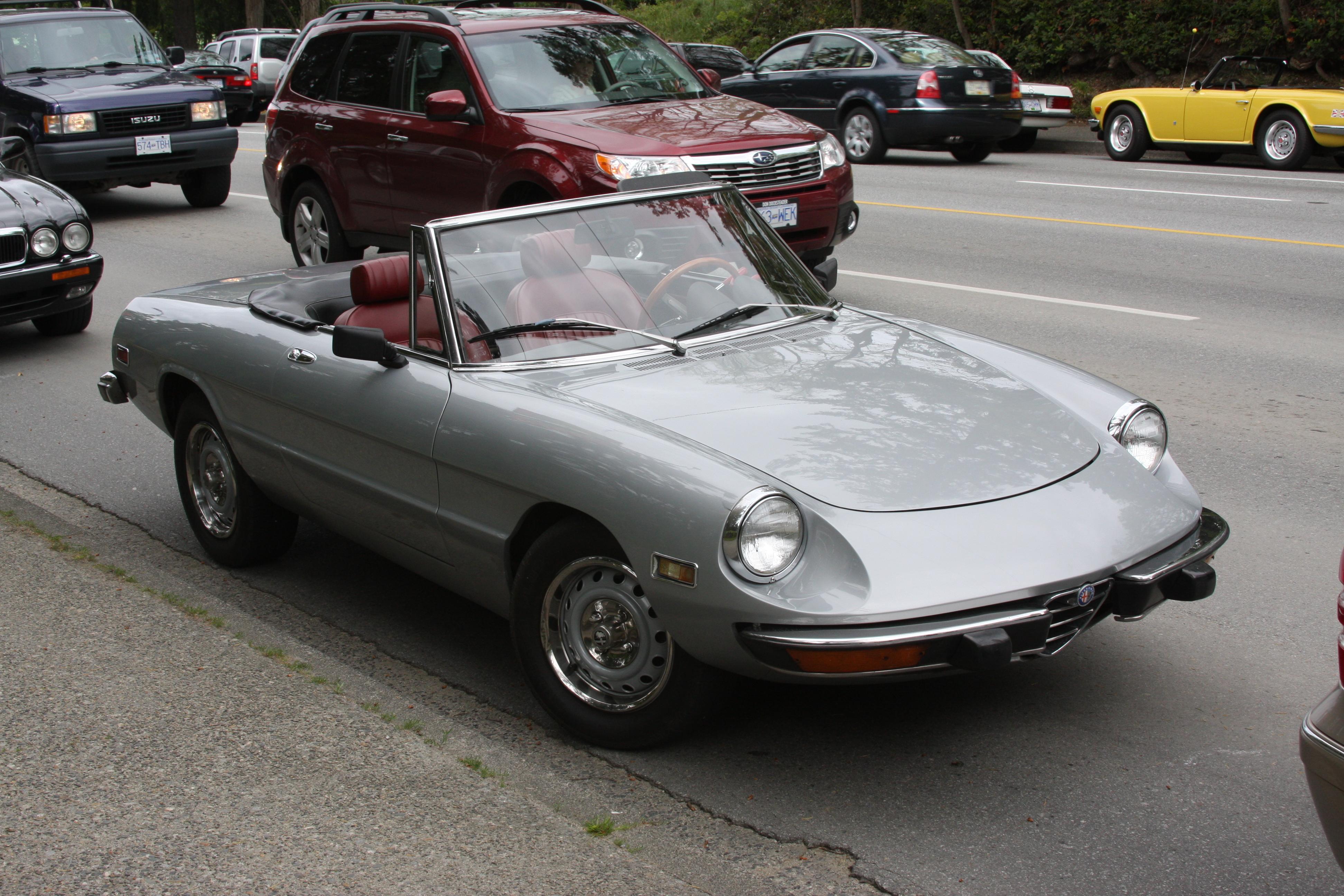 Alfa_Romeo_(4670241406).jpg