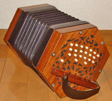 squeezebox - Wiktionary
