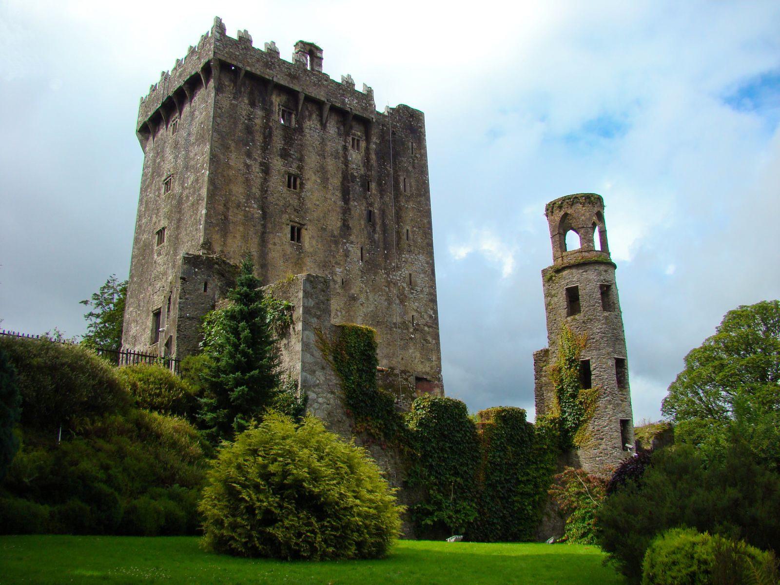 File:Blarney Castle 02.jpg