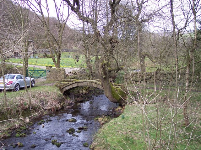 Bowden Bridge - geograph.org.uk - 725231