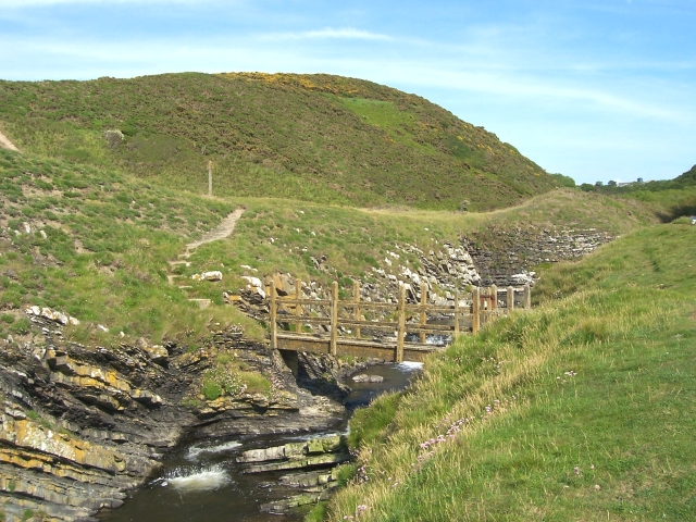 Bridge over Afon Drywi - geograph.org.uk - 183296