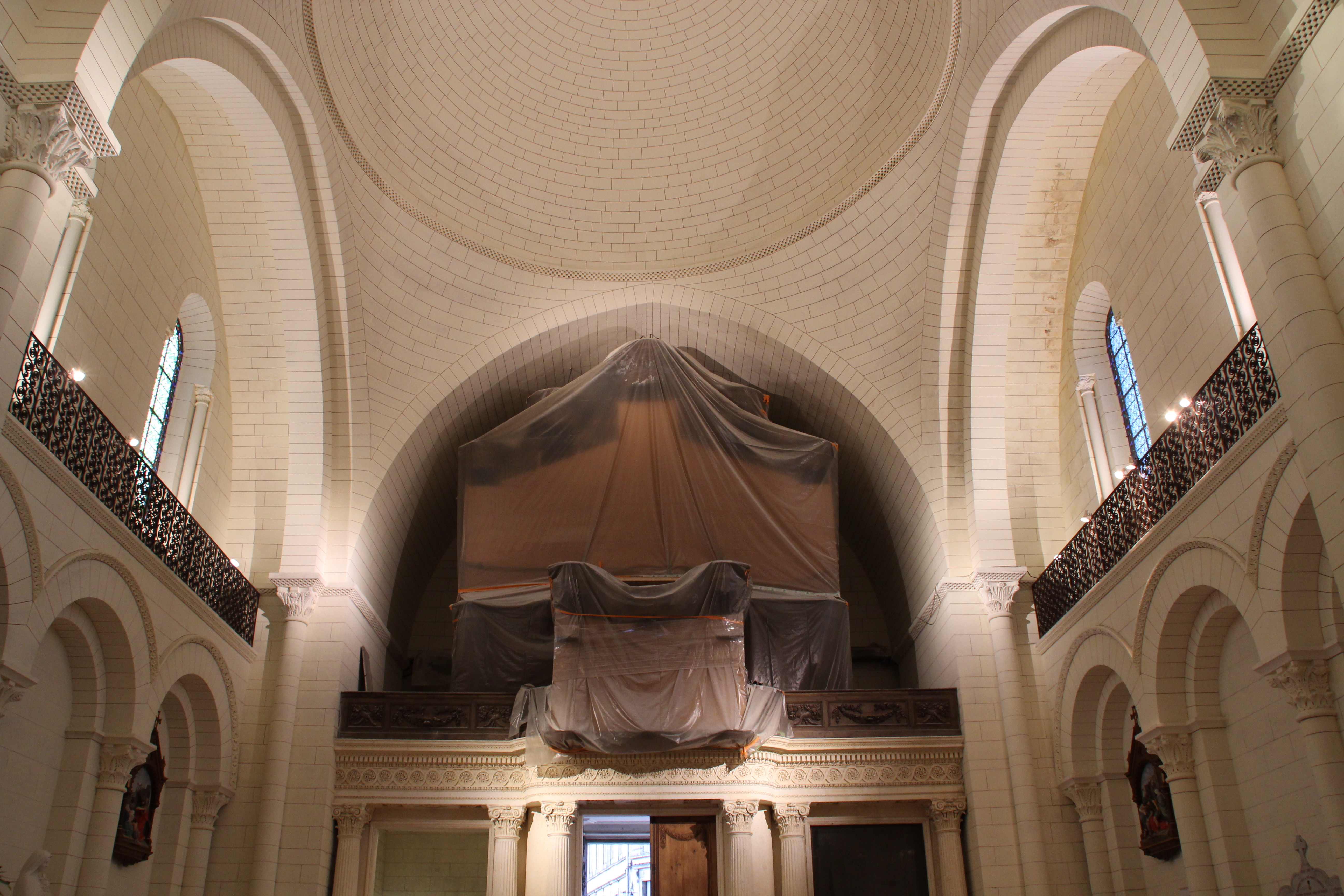 file cath drale saint pierre d 39 angoul me durant le festival international de la bande dessin e d. Black Bedroom Furniture Sets. Home Design Ideas